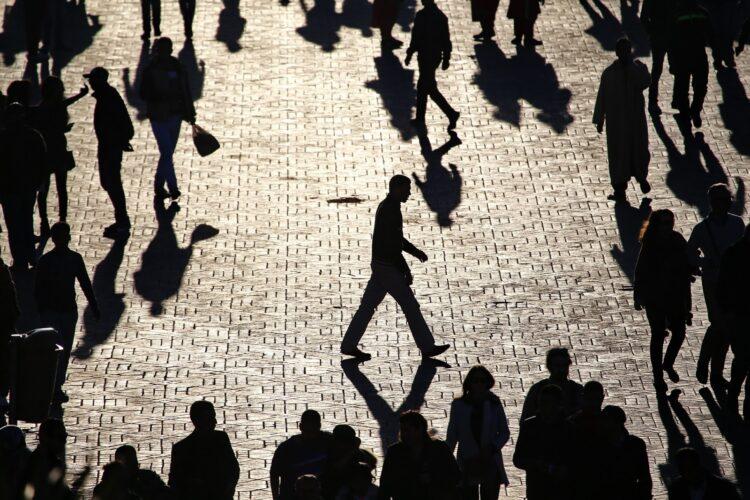 Toplumda Farklı Olmanın Zorluğu